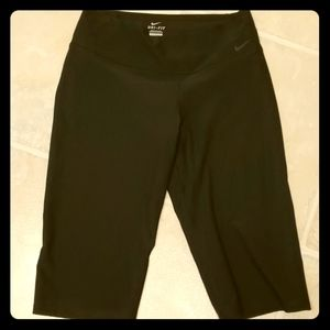 Nike dri-fit work out capri black pants